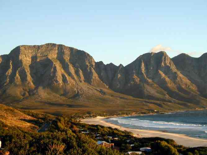 Hottentots-Holland and Kogelberg by Robert Wallace