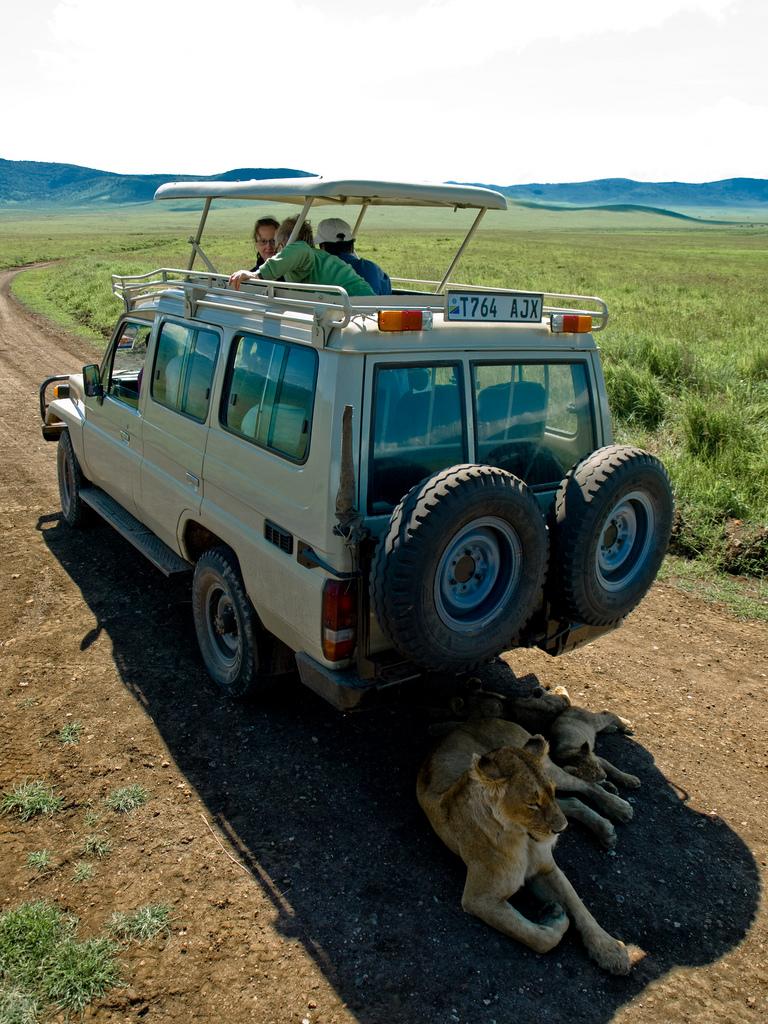 Safari Vehicles Overland Trucks Amp Safari Transportation